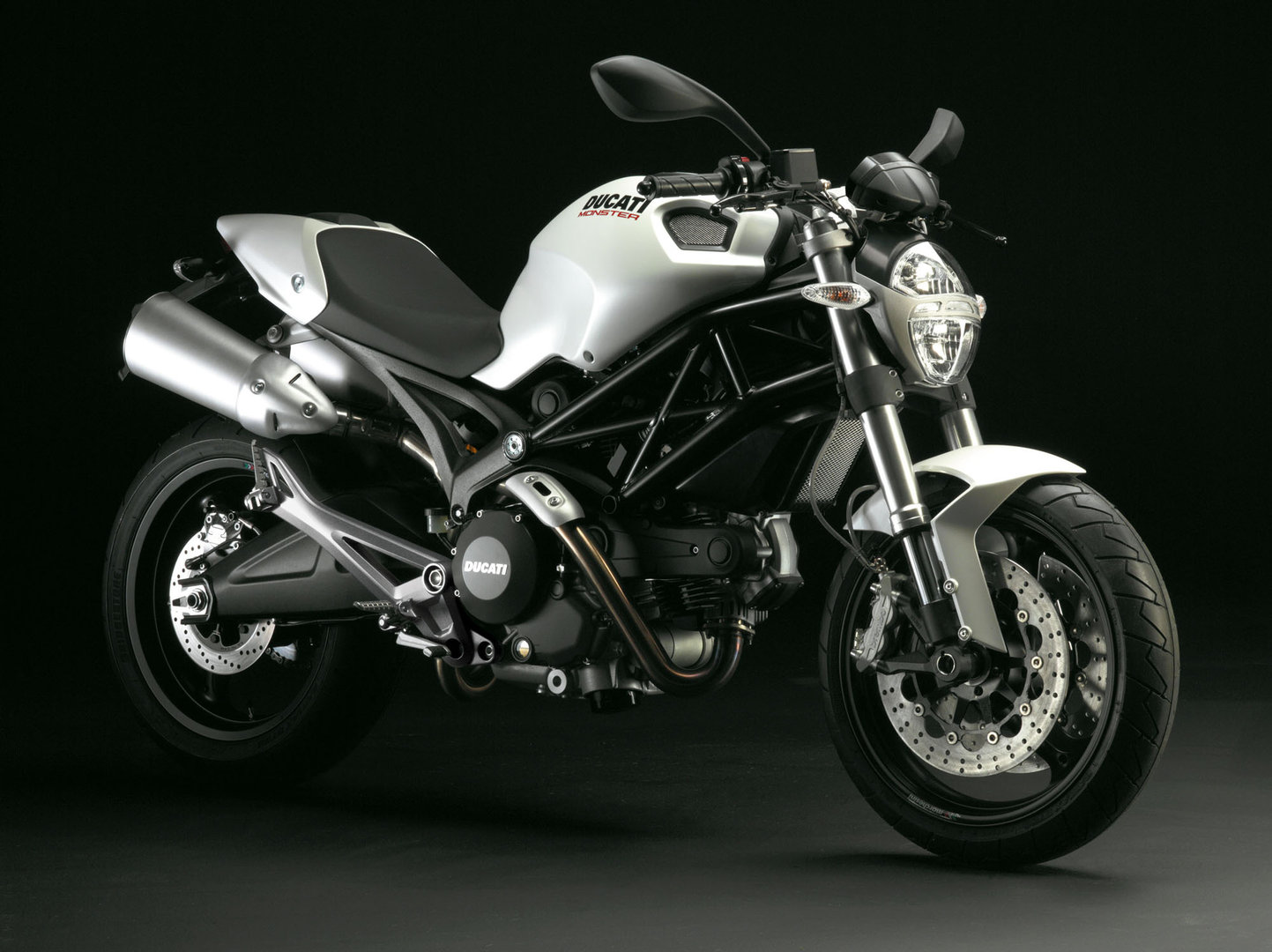 DUCATI MONSTER 696 /ABS 35kw - CARNET A2
